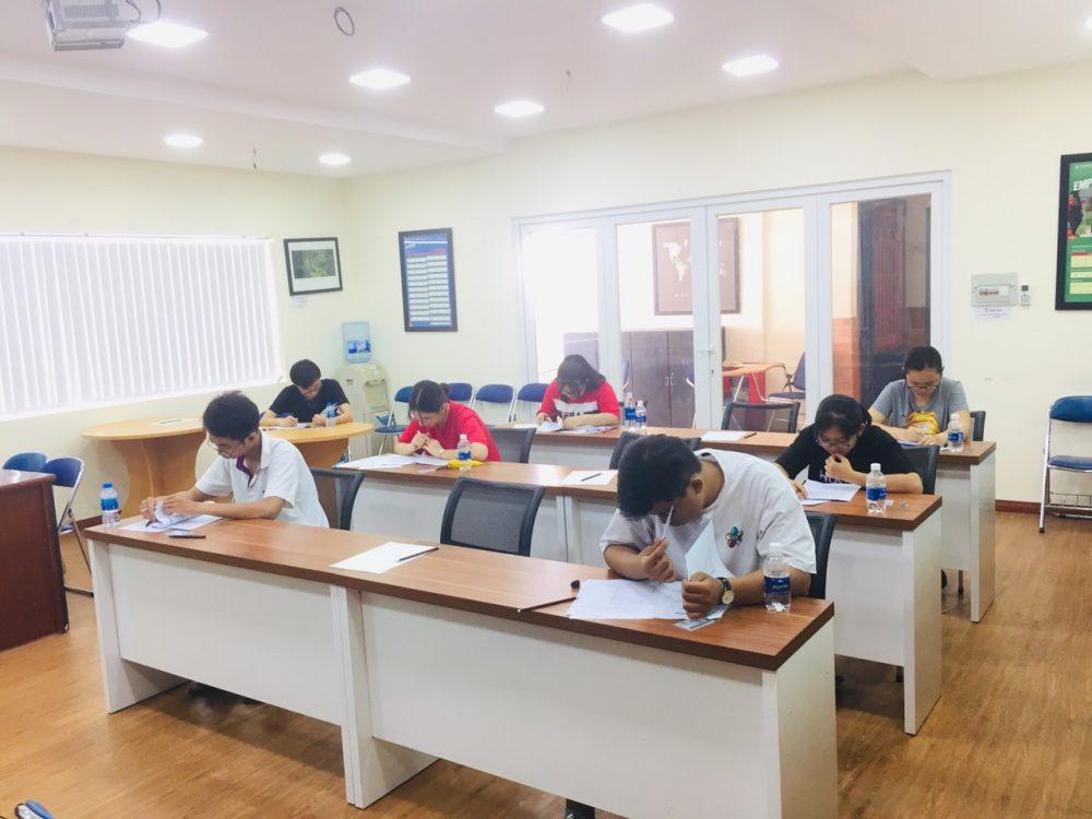 Chương trình ILACS Mock IELTS Test cho học sinh Trường THPT Marie Curie